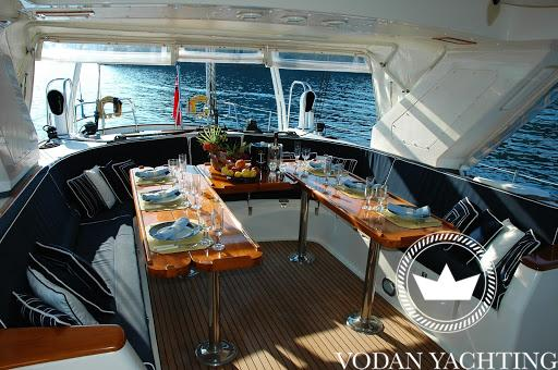 Yacht stewardess: what she does and why you want her on the boat